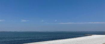 ロングパークからの海